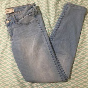 Hollister Light Wash Skinny Jeans 5S
